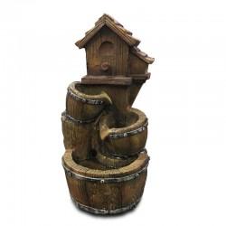 Fuente casita de madera