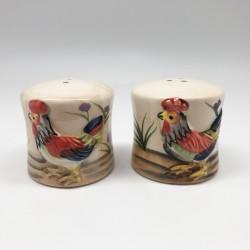 Salero pimentero diseño de gallinas