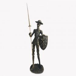 Quijote con lanza y escudo en tono gold envejecido