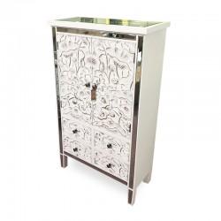 Mueble tipo bar espejado con detalles tallados