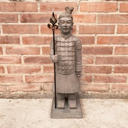 Soldado de Terracota con lanza en mano derecha