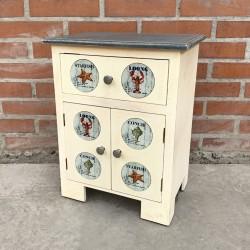 Muebles con cerámicas de diseños marinos